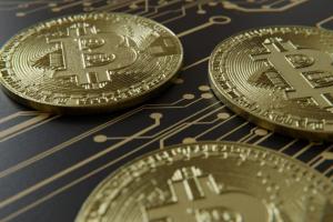 Европейская комиссия изучит потенциальные риски вокруг эмиссии криптоевро вместе с Европейским центральным банком