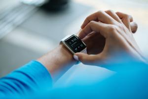 Клиенты Swedbank могут расплачиваться с помощью смарт-часов